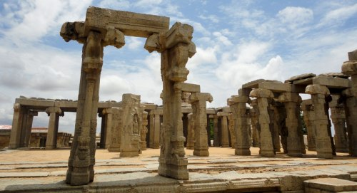 Lepakshi veerabhadra swamy temple trayaan for Andhra cuisine history