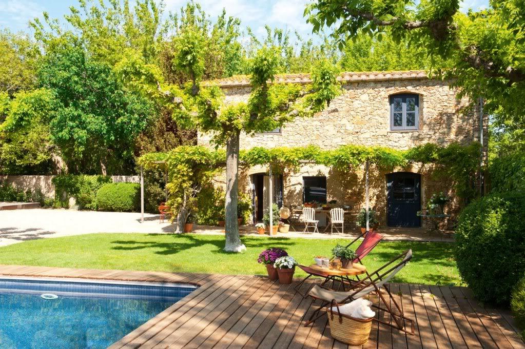 Maison du chocolat um celeiro convertido em uma - Casas pequenas con porche y jardin ...