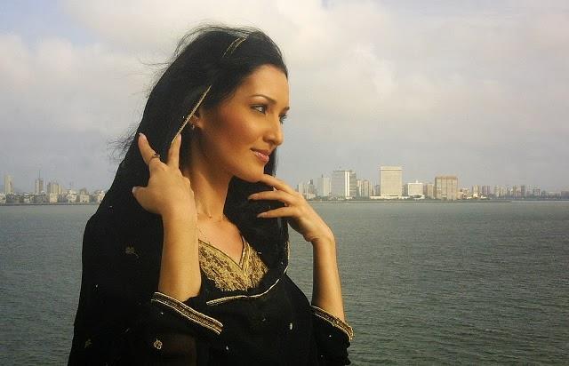 Zarina Tajik actress