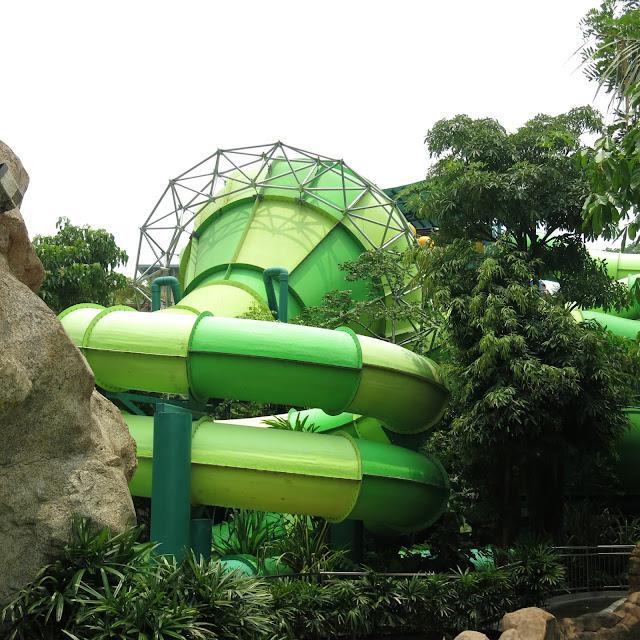Adventure Cove Waterpark Singapore Whirpool Washout