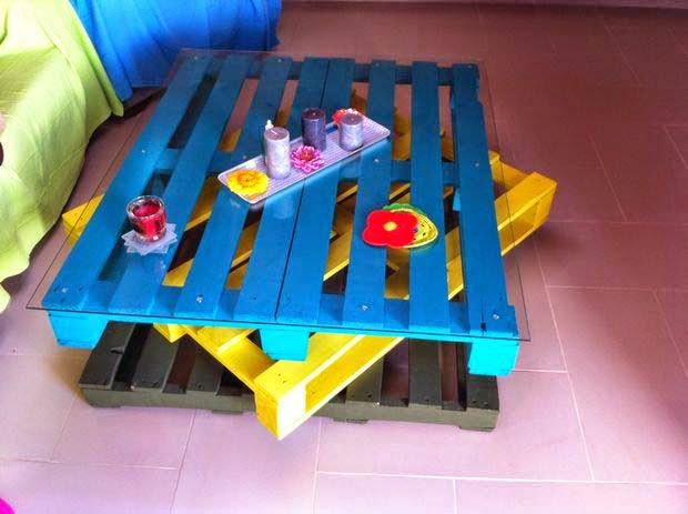 Mesa para el sal n muy alegre con - Jardineras de colores ...