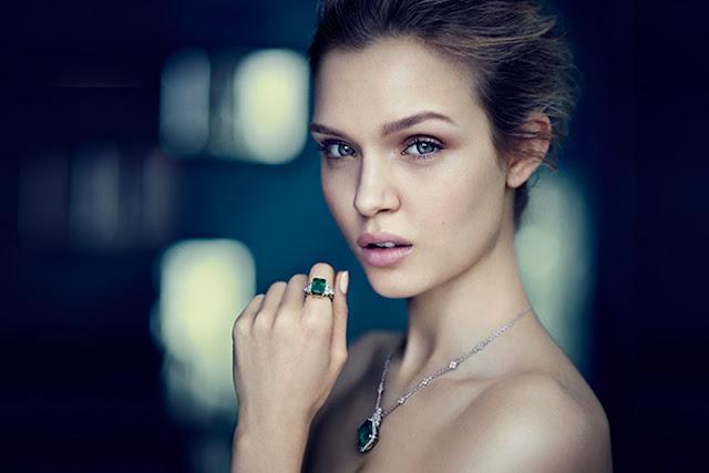 Josephine Skriver have a beautiful face