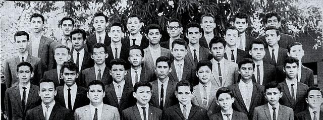 PROMOCION CUARTO AÑO DE SECUNDARIA 1963-1964