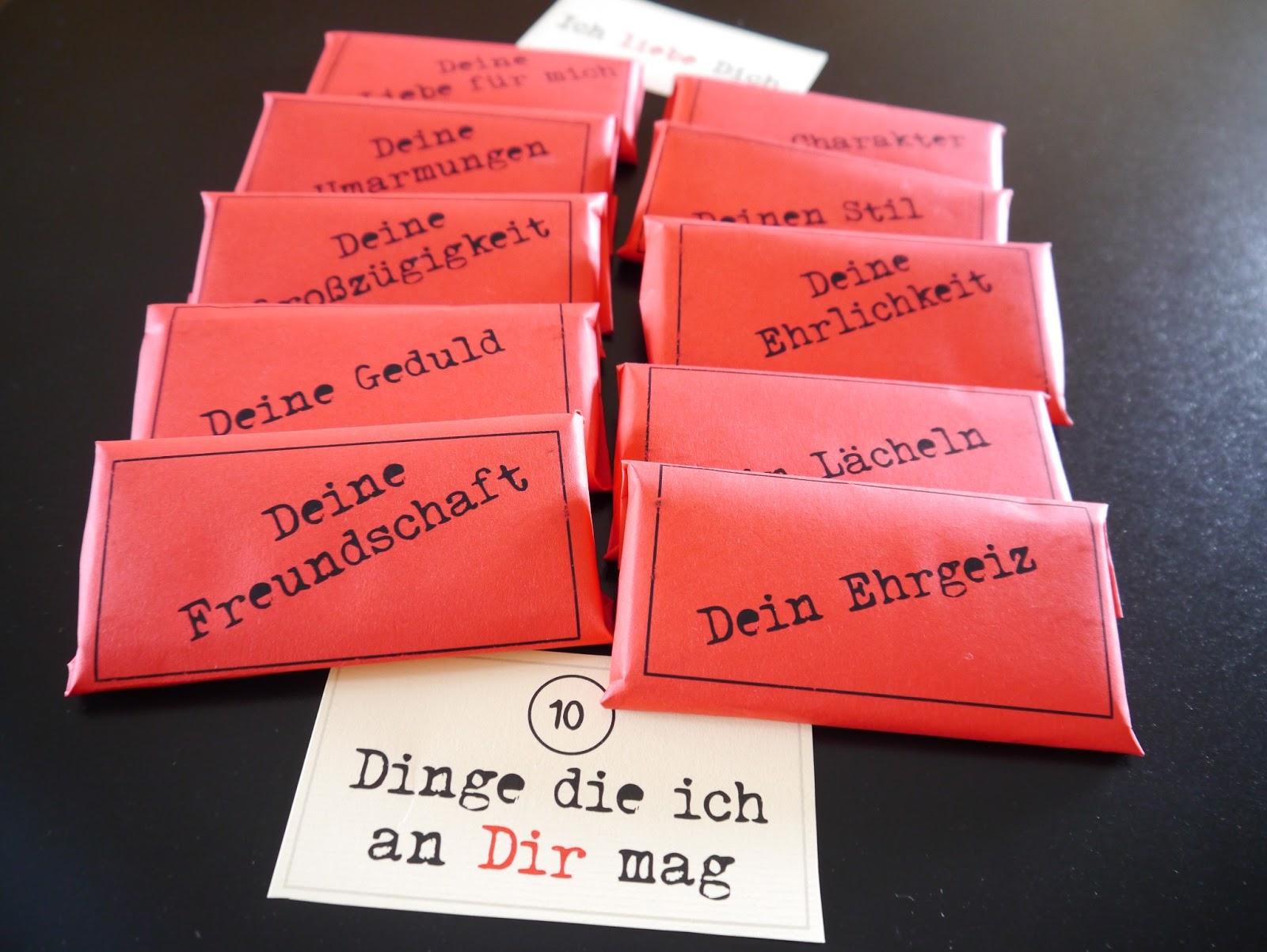 Und Fertig Ist Die Süße Aufmerksamkeit Zum Valentinstag. Habe Jeweils 5  Schokoladentafeln Mit Einer Karte Zusammengefasst Und Mit Masking Tape  Fixiert.