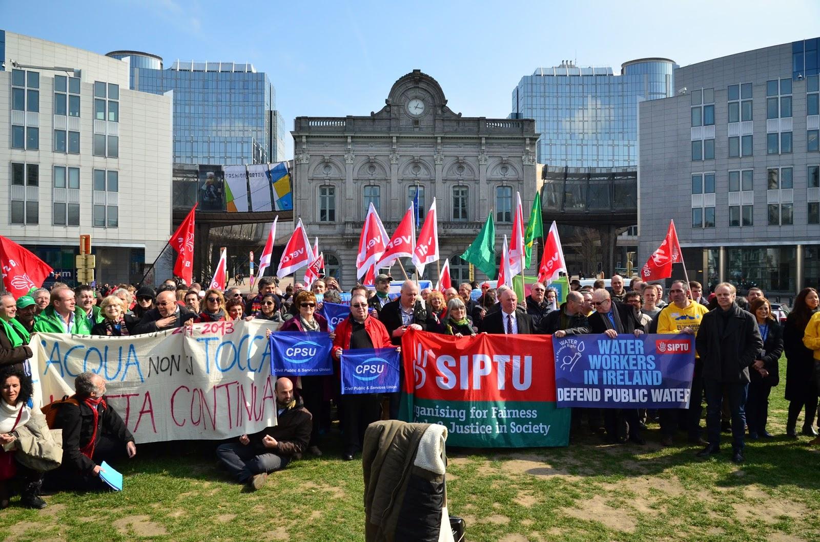 Il parlamento europeo vota per il diritto umano all 39 acqua for Il parlamento