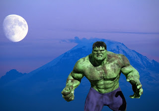 Hulk Free Wallpapers Green Monster Fighting Position in Classic Ascent Moon background