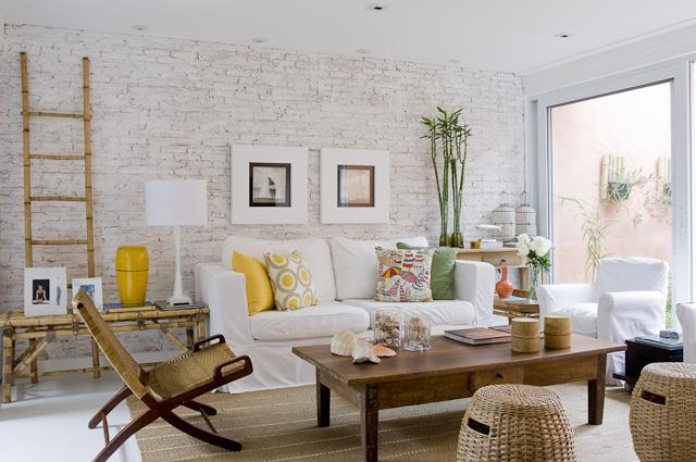 decoracao tijolo branco : decoracao tijolo branco:Salón muy fresco y a la vez muy cálido. escaleras de mano