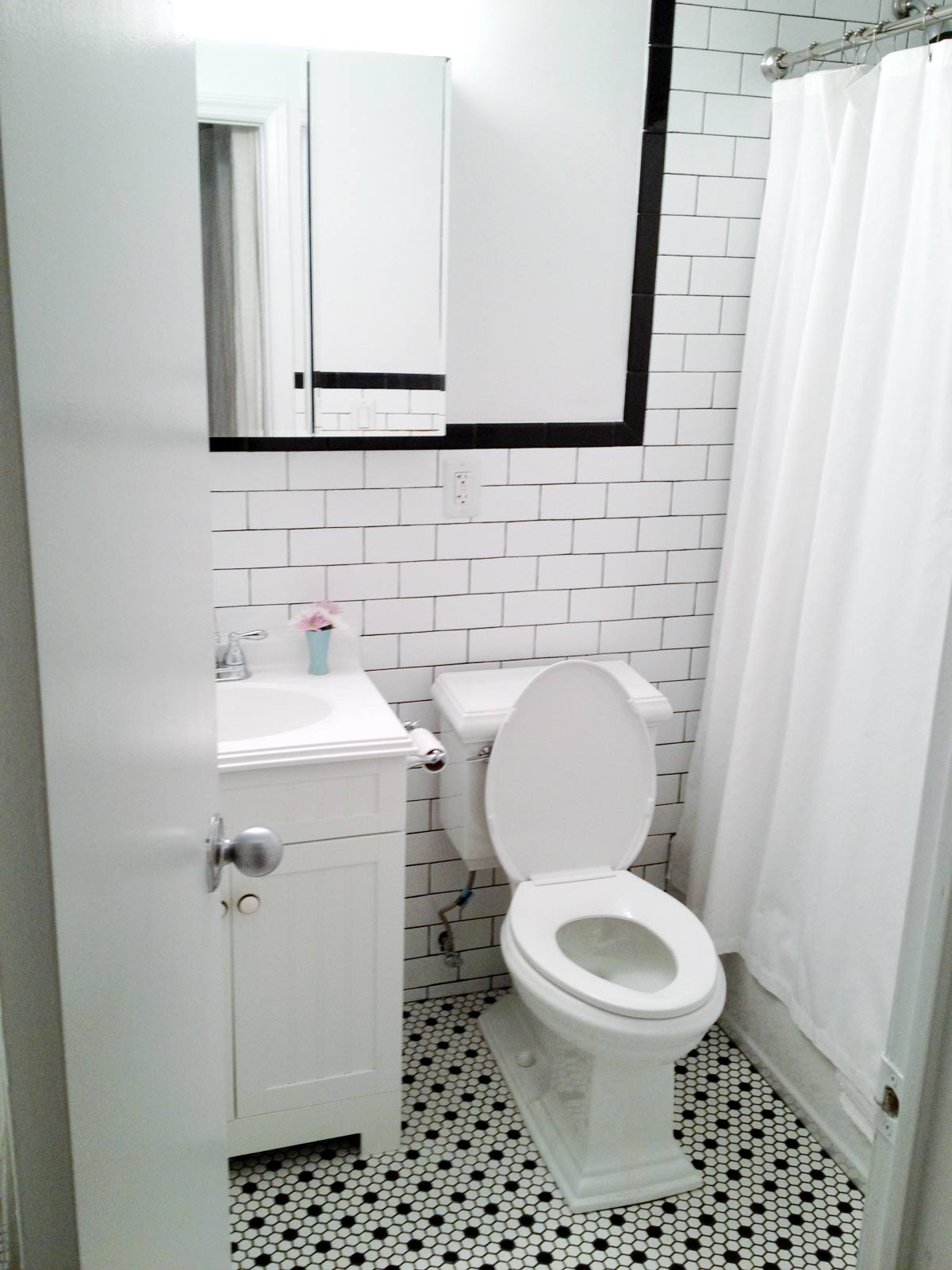 the little house in the city: The Bathroom Revealed