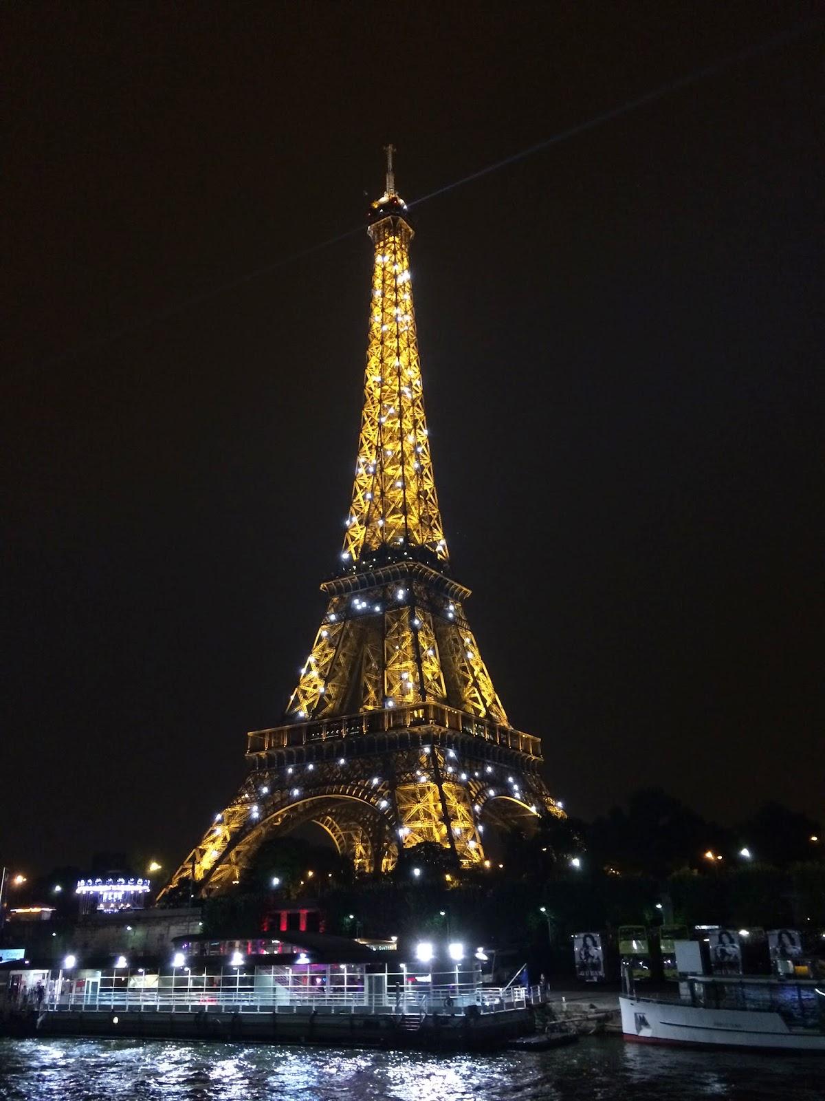 VipandSmart Torre Eiffel noche