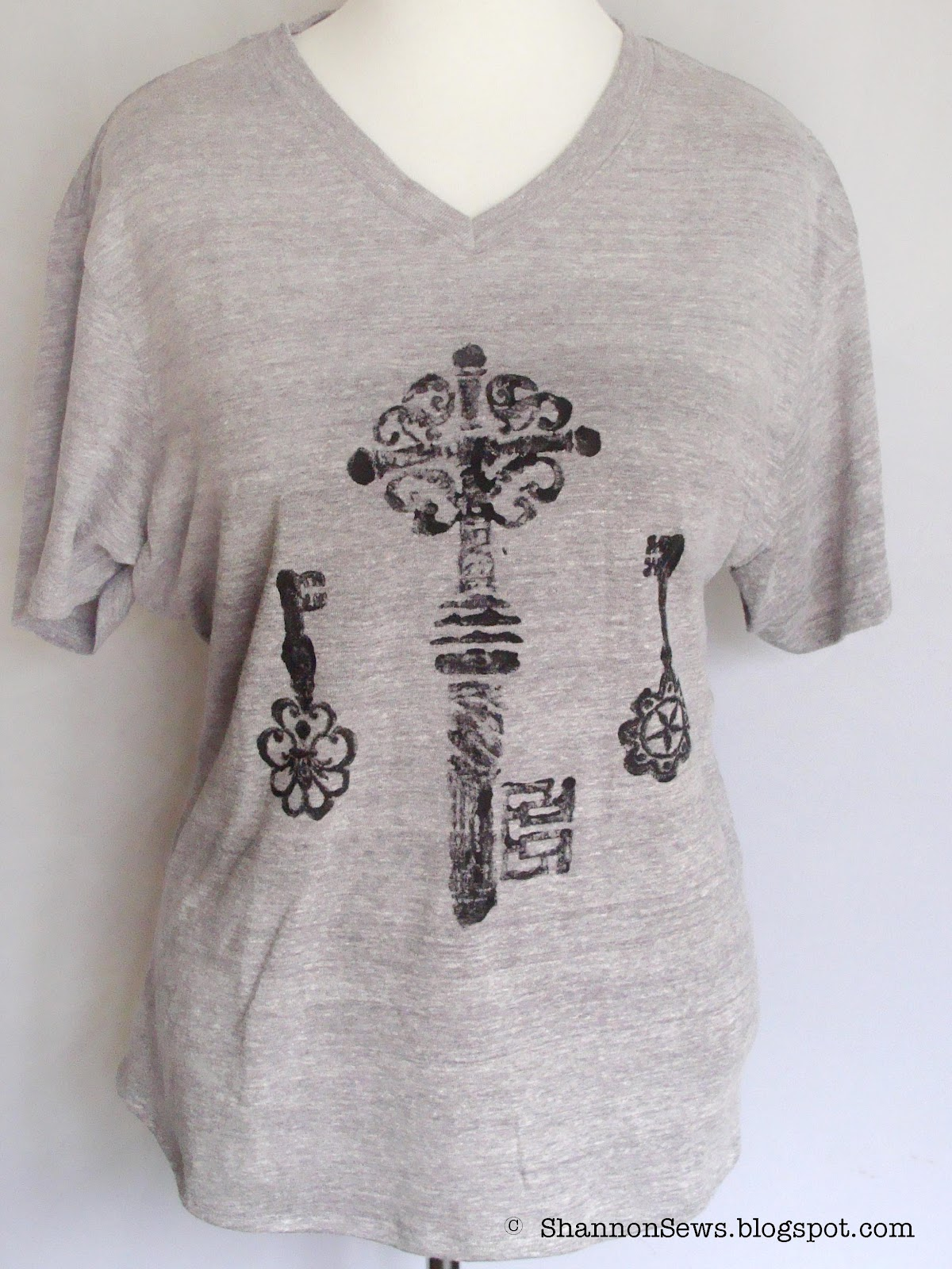 Design t shirt hand made - Key Painted Shirt Is One Of A Kind