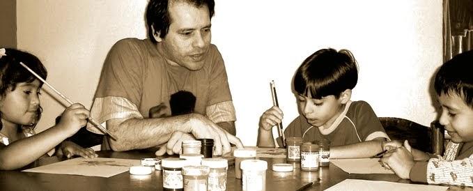 Niños junto al autor