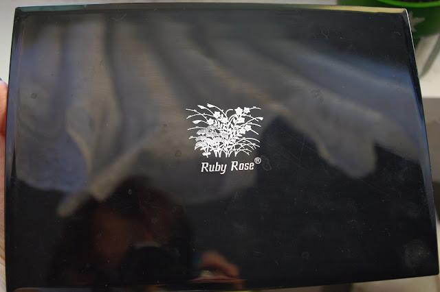 Paletka cieni Ruby Rose + baza Kobo