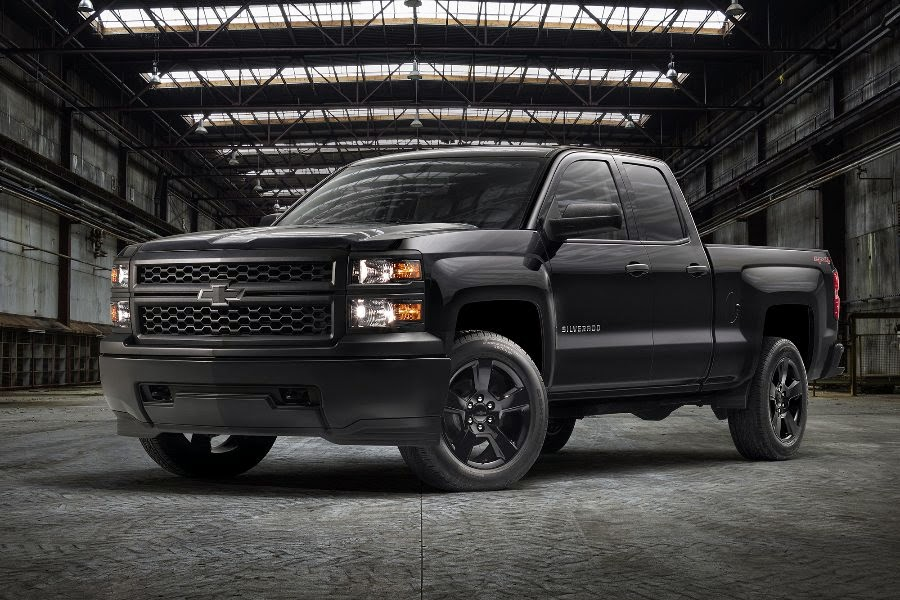 Chevrolet Silverado 1500 WT Black Out Double Cab (2015) Front Side