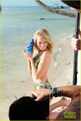 Yvonne Strahovski, Natural Water,Photoshoot