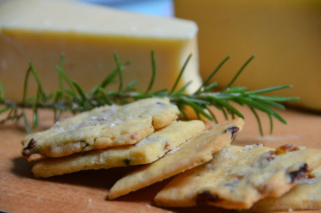 Rosemary Raisin Cocktail Shortbread