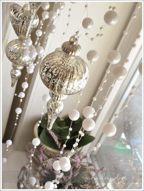 boże narodzenie - dekoracja okna szklane bombki posrebrzane postarzane / christmas window, mercury glass ornaments