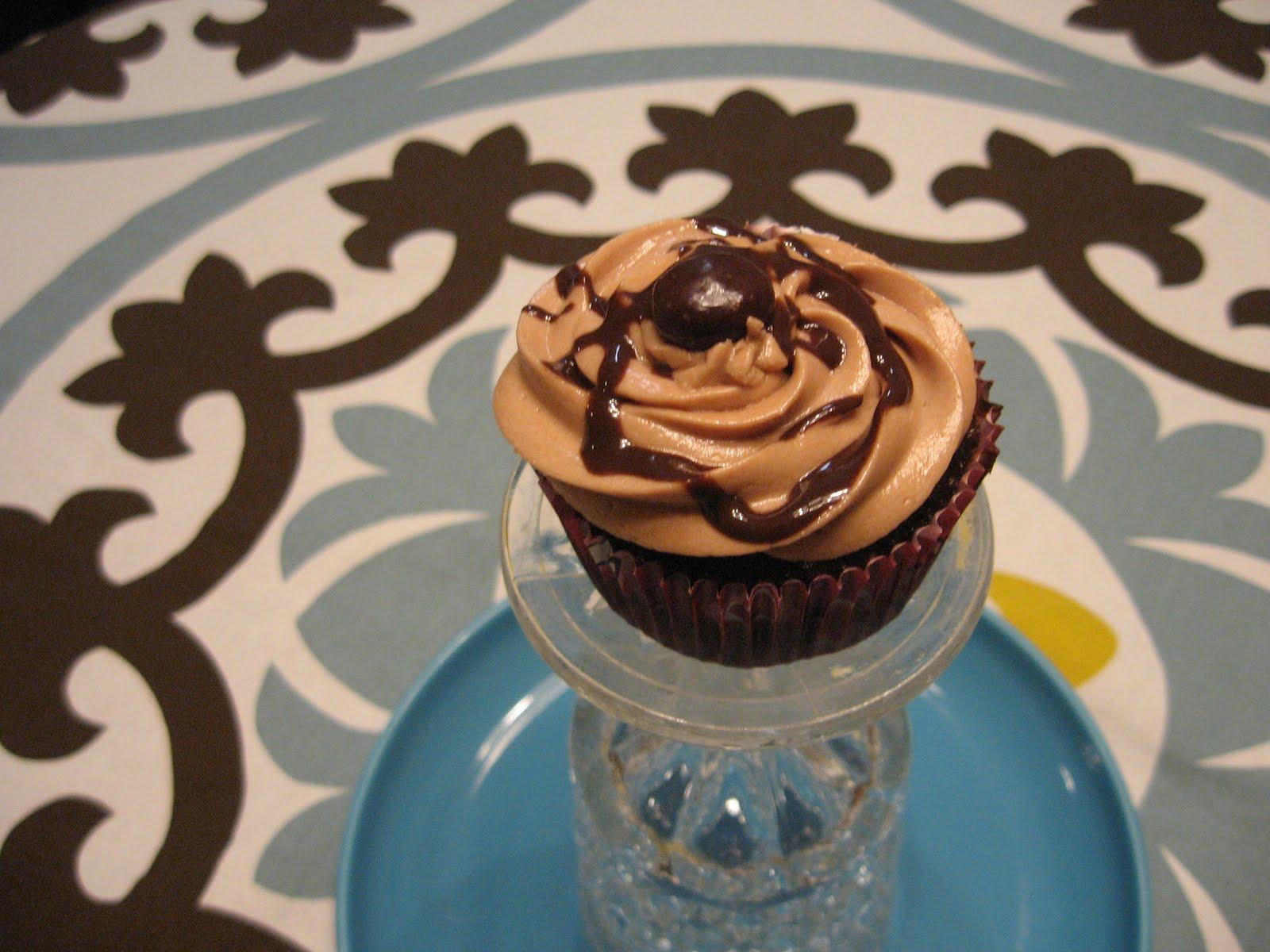 Starts with Serendipity: Cafe Mocha Cupcakes!