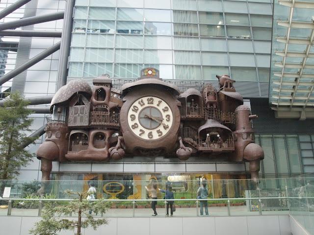 日本テレビ社屋のからくり時計