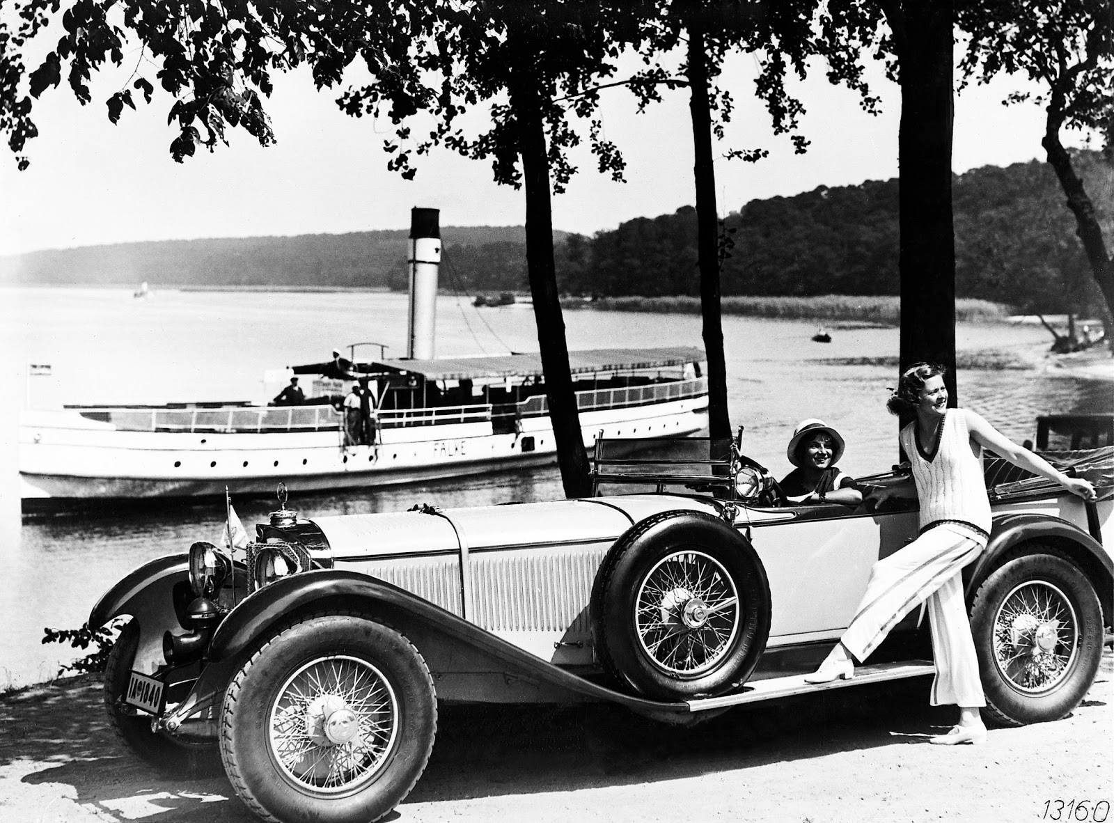 The automobile and american life photos of a 1928 for Mercedes benz ss