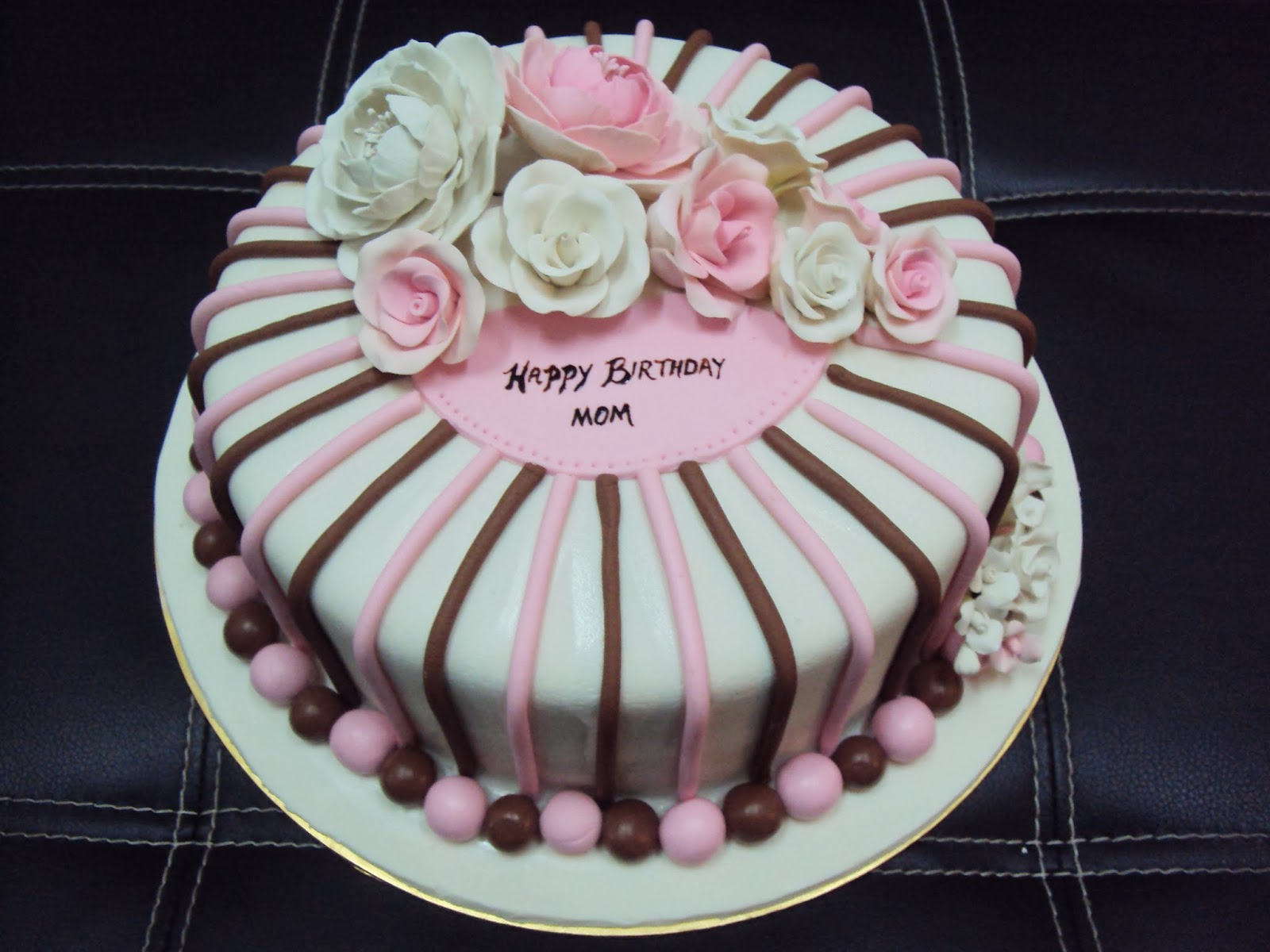 Cake Designs For Mom : Fondant Birthday Cakes For Moms images