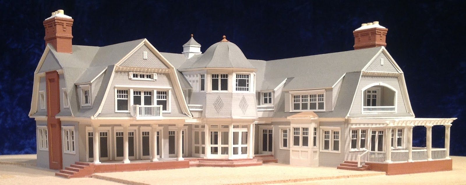 Houses of the hamptons for Model houses in new york