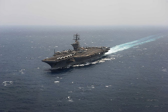 "Aircraft carrier of the ""Nimitz"""