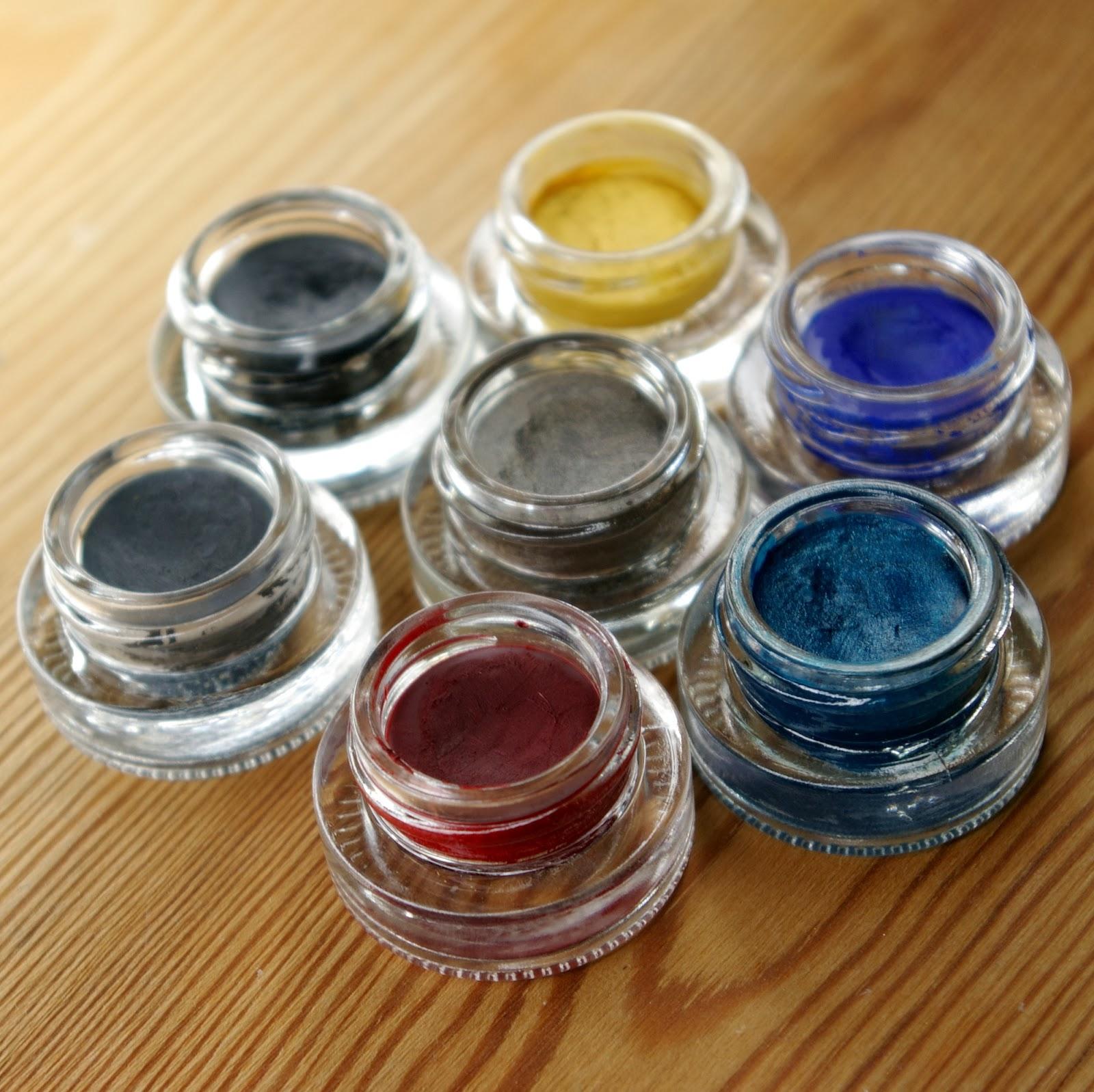 Swatche eyelinerów MakeupGeek
