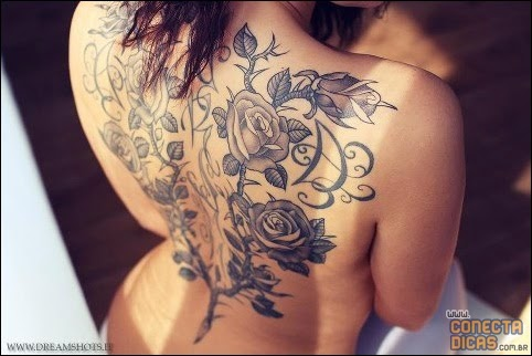 Tatuagens Femininas nas costas grande
