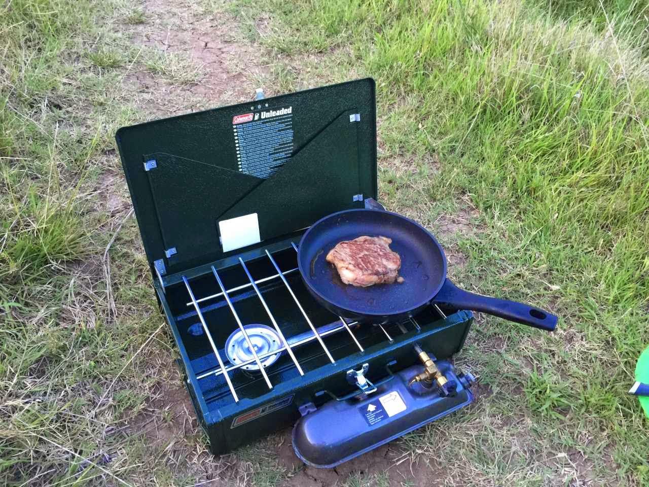 Wildcamping auf der Panamericana - der Coleman Dual Fuel Kocher im Einsatz