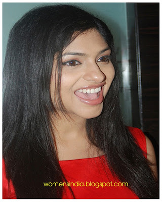 Actress Indian Woman with Black Hair Style