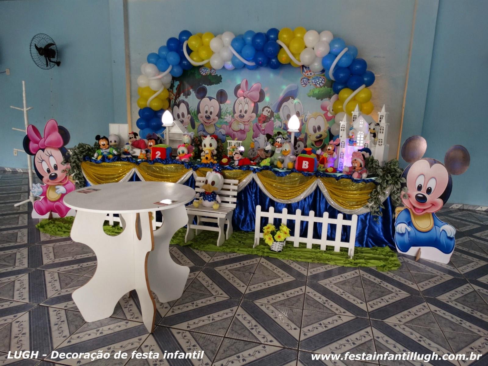 decoração de festa infantil com o tema Baby Disney - mesa decorada para aniversário