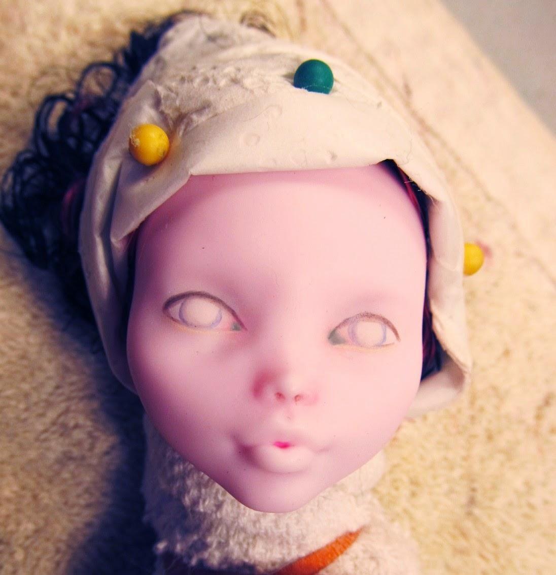 Draculaura monster high doll repaint demo