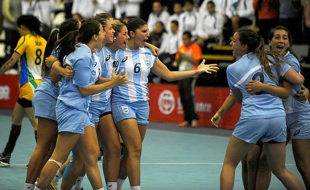 Gran partido de Argentina empatando con las campeonas del Mundo | Mundo Handball