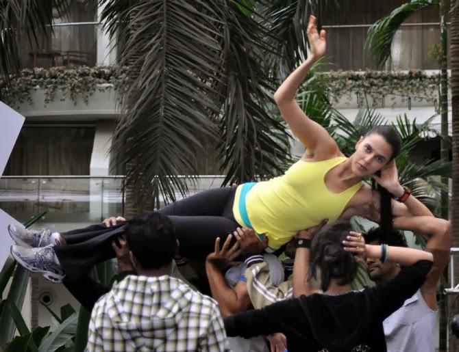 neha dhupiahot dance moves bollywood photoshoot 2017