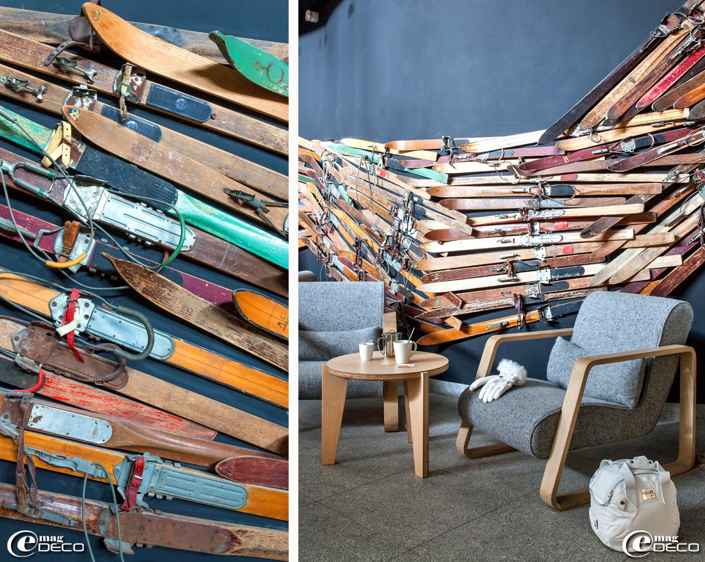 Fauteuil 'Utha' designé par Kaki Kroener pour la marque 'Refuge' à Mégève, gants de ski 'Sun Valley' de la marque 'Glance' et sac pour casque 'Life Style Lady' de la marque 'Kask', skishop 'Goitschel Sport' dans l'hôtel 'Altapura'