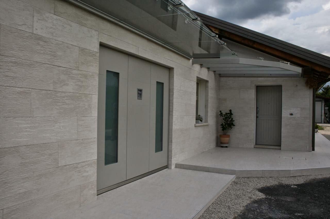 Gres porcellanato effetto legno grigio - Cappotto termico esterno prezzi ...