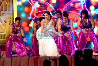 Deepika Padukone rehearses for Screen Awards