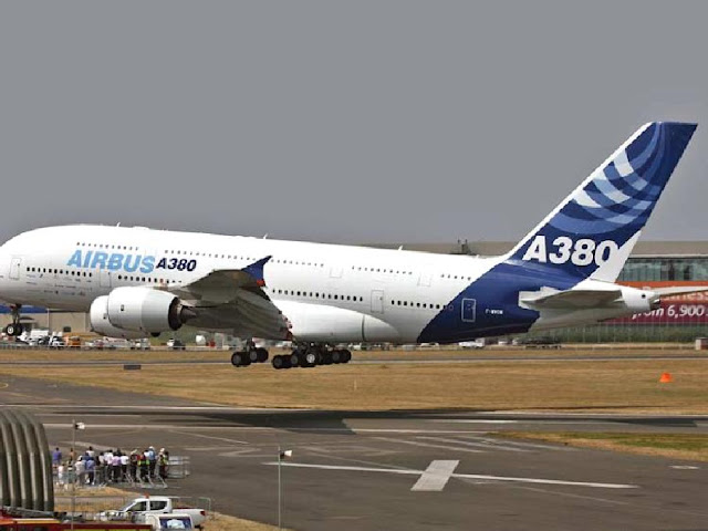 Great Pictures of AirBus A380 biggest Aeroplane