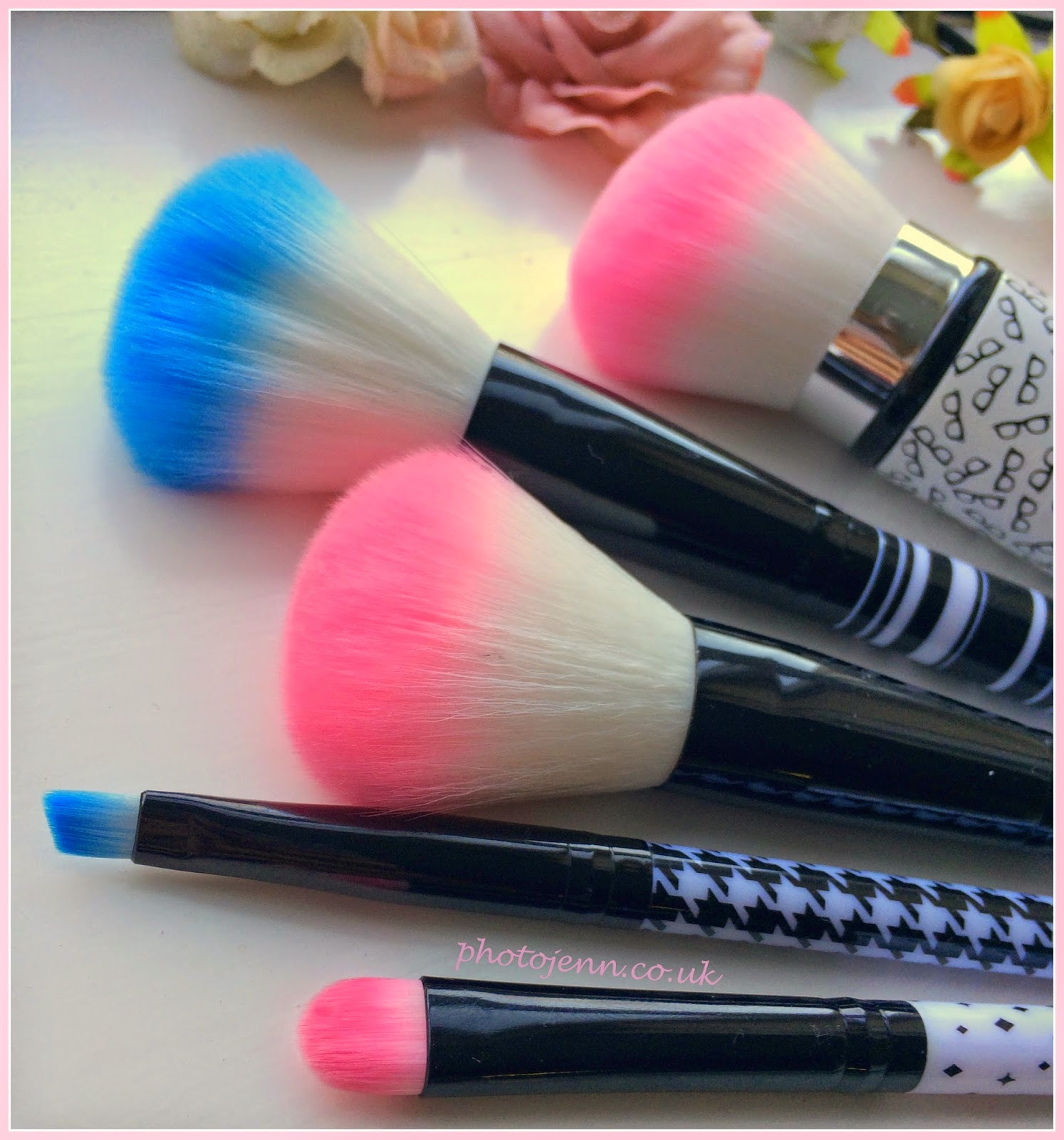 blue-pink-make-ip-brush-wilko