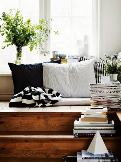 styl skandynawski, duże okna, big windows, kącik do czytania, do wypoczynku, loft, balkon,