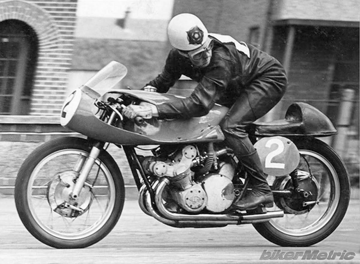 geoff duke racing a gilera gp500 in 1957
