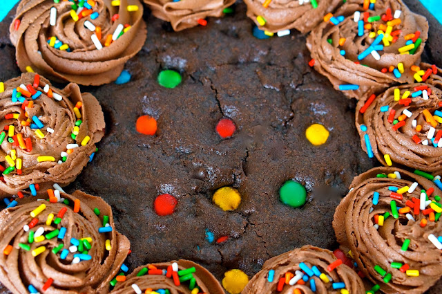 neighbors,chocolate buttercream,life love and sugar, msm's sprinkles,VG'S Bakery.