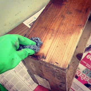 Restaurar cajas de madera rojosill n for Como limpiar puertas de madera muy sucias
