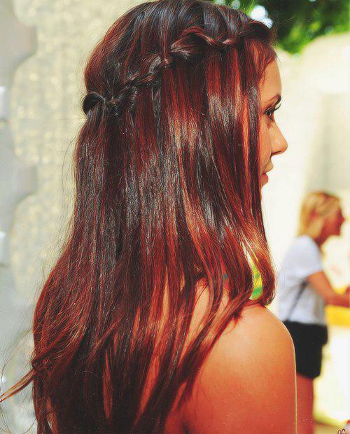 si tienes tintes rojos o quizá negro en tu cabello. Veremos el procedimiento paso a paso, con al cabello virgen y posteriormente con el cabello teñido.