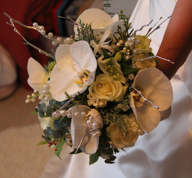At Louisa 39s home we presented her bridal bouquet whilst her brilliant Mum
