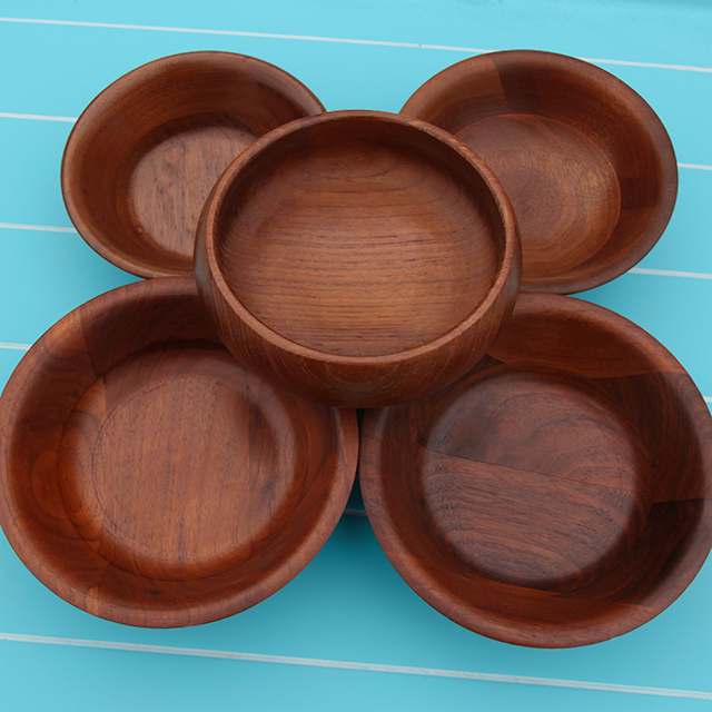 #thriftscorethursday Week 79 Wood Bowls| www.blackandwhiteobsession.com