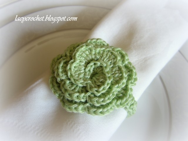 Crochet Stitch Rings Of Love : Lacy Crochet: Crochet Flower Napkin Rings