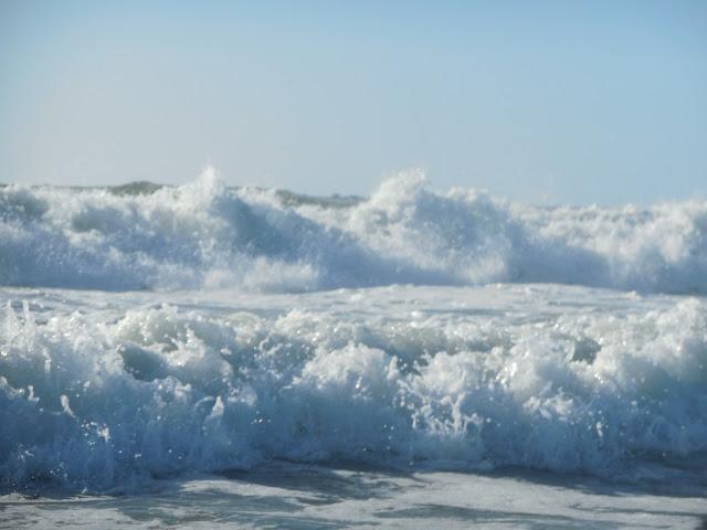 massive-waves-at-praia-da-barra-portugal-surf-trip-2015-atlantic-ocean-spaander-sealiberty-cruising
