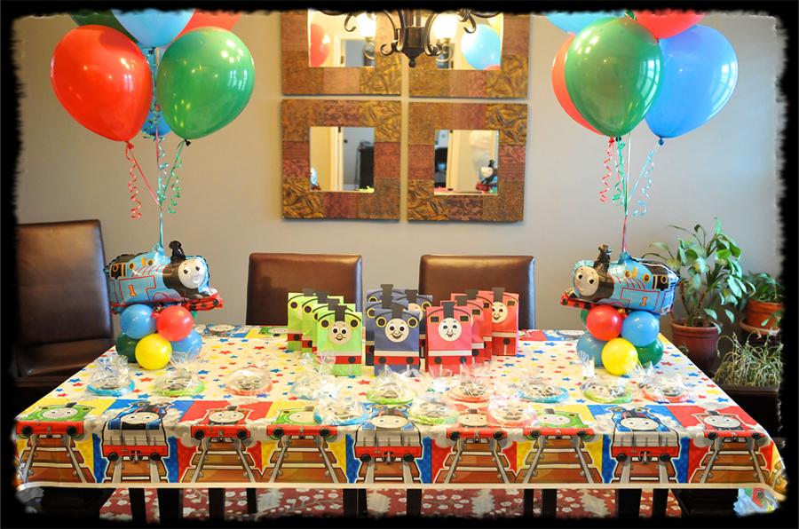 thomas the train birthday party thomas the train themed party birthday party concepts. Black Bedroom Furniture Sets. Home Design Ideas