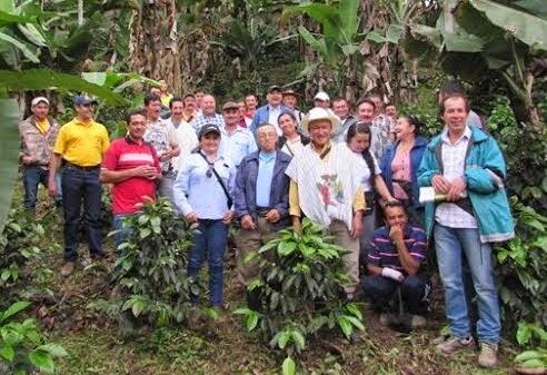 Noti-Ecopetrol: Electrificación rural en Tibú :: Fortalecimiento a caficultores :: Energía solar para Comunidad Motilón Barí